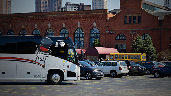 barons bus our fleet gallery parked cleveland aquarium 600x338