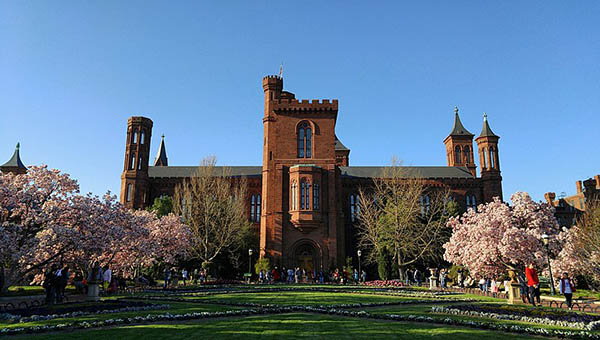 charter bus washington dc attractions smithsonian institute castle